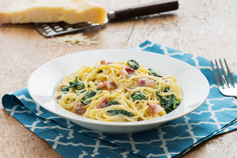 Spinach and bacon spaghetti alfredo